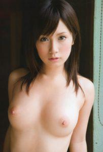 美乳のエロ画像|可憐で清楚な美少女の50枚!