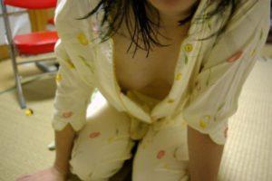 乳首のチラリ画像!人妻やOLやJDの街撮り等100連発!